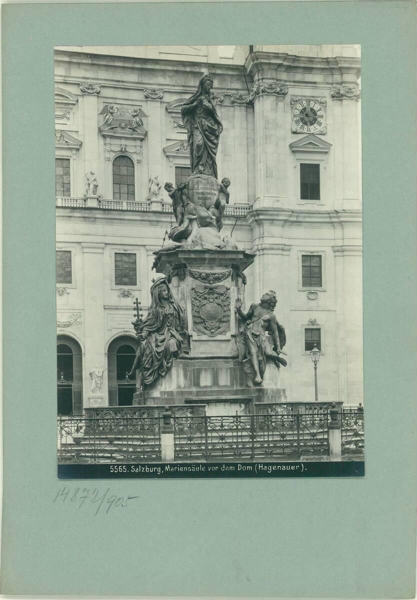Fotografie einer Mariensäule in Salzburg (vom Bearbeiter vergebener Titel) von Reiffenstein, Bruno