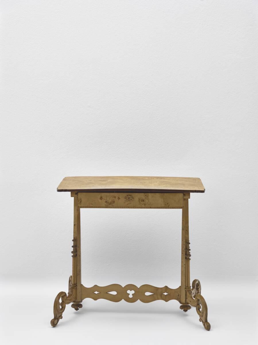 Tischchen von Anonym