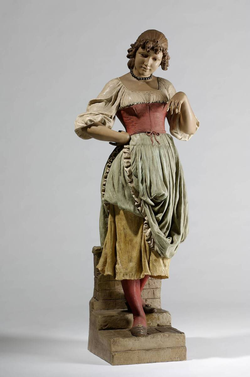 Stehendes Bauernmädchen in Pose (auf getrepptem Sockel) von Wiener Manufaktur Friedrich Goldscheider