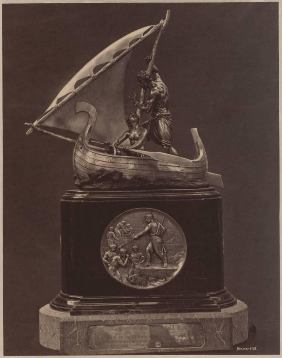 Fotografie eines Tafelaufsatzes auf der Wiener Weltausstellung 1873 von Kramer, Oscar