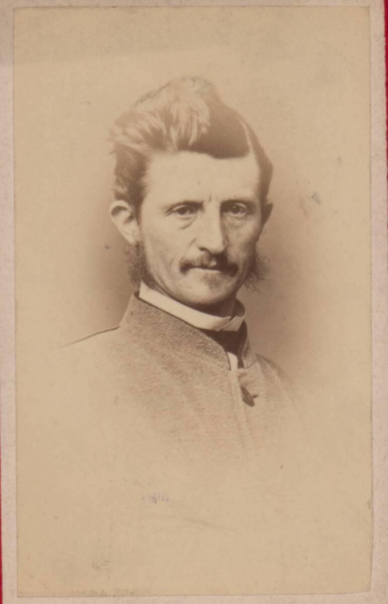 Porträt eines anonymen Mannes (vom Bearbeiter vergebener Titel) von Schwieger, H.