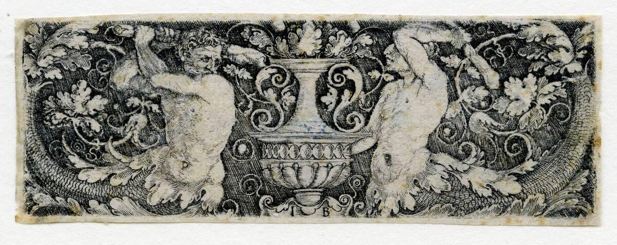 Ornament. Eine Vase zwischen zwei sich mit Keulen bekämpfenden Tritonen (vom Bearbeiter vergebener Titel) von Pencz, Georg