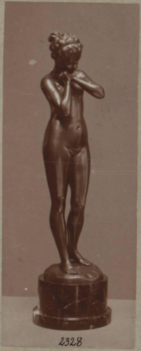 """Fotografie einer Bronzeplastik """"Träumerei"""" nach Entwurf von Carl Kauba (vom Bearbeiter vergebener Titel) von Anonym"""