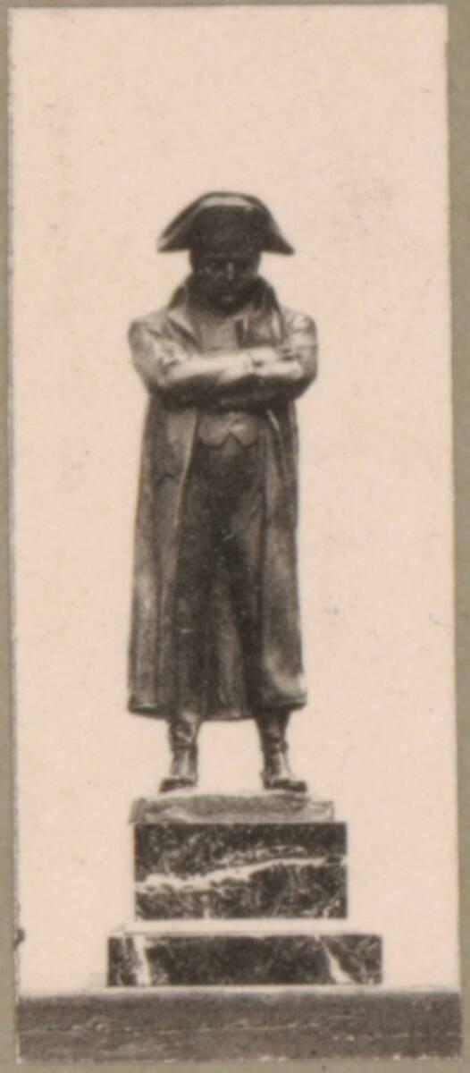 Lichtdruck einer bronzenen Statuette von Napoleon Bonaparte (vom Bearbeiter vergebener Titel) von Anonym