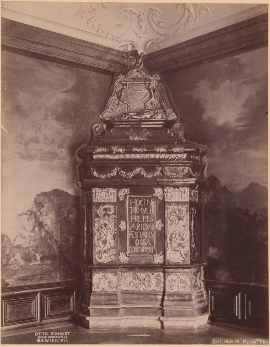 Fotografie des Ofens in einem ehem. Kaiserzimmers im Stift St. Florian (vom Bearbeiter vergebener Titel) von Anonym