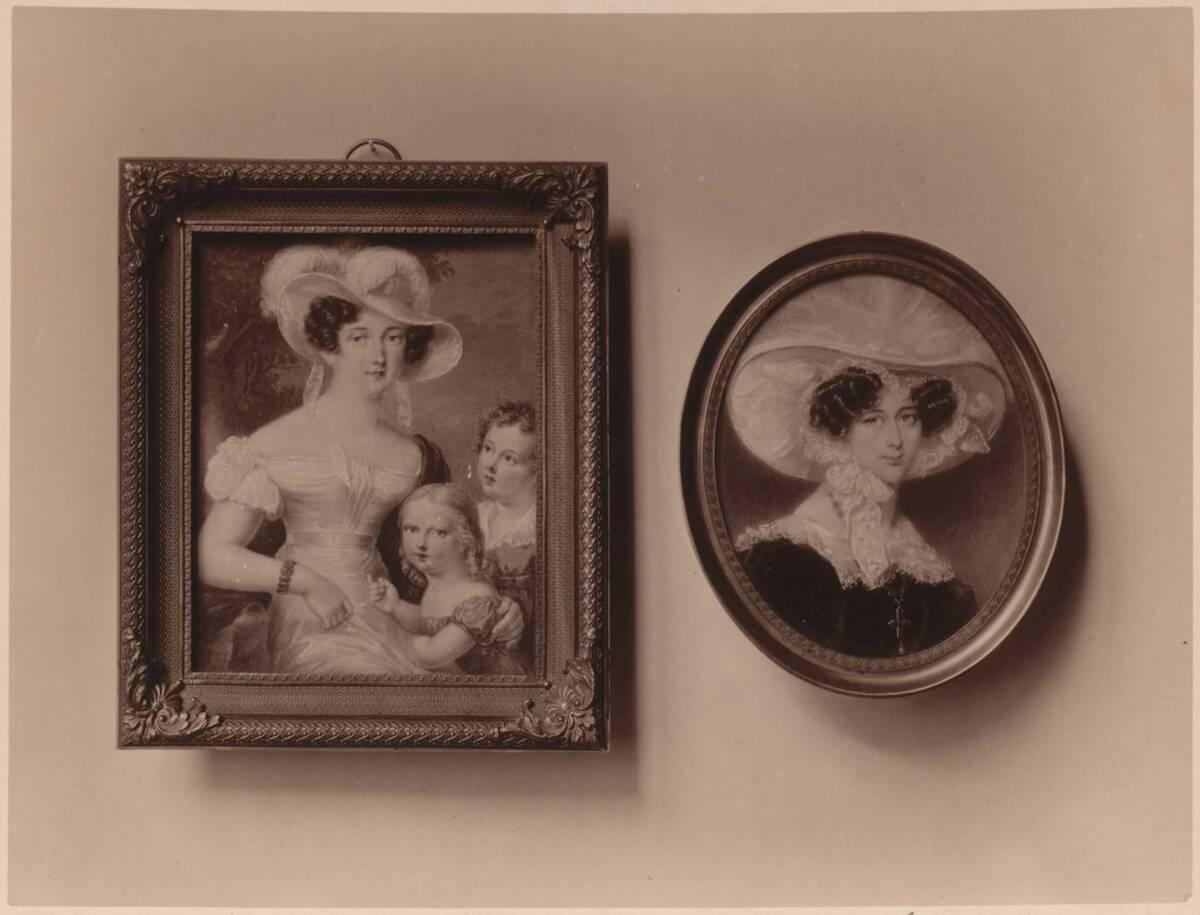 Fotografie zweier Porträtmalereien mit einer Dame mit zwei Kindern, von Ferdinand Georg Waldmüller, von 1827 und mit der Fürstin Paar (geb. Gräfin Cavriani), von Robert Theer (vom Bearbeiter vergebener Titel) von Gmeiner, Wilhelm
