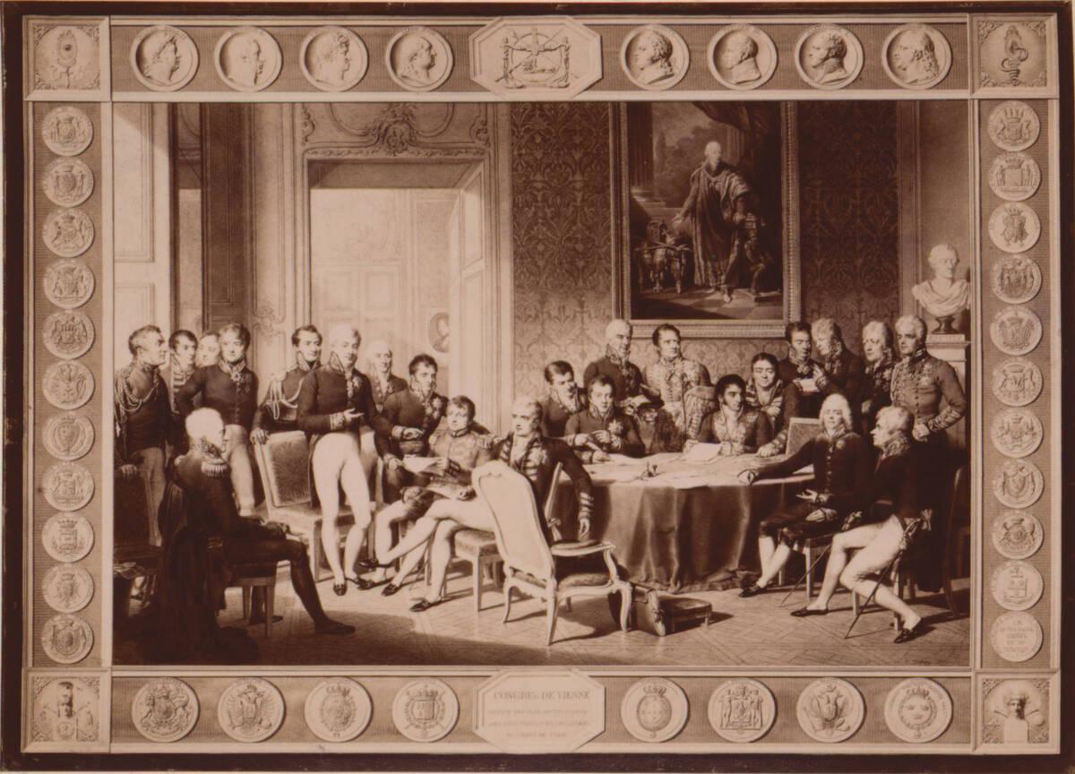 """Fotografie des """"Wiener Kongress-Bildes"""" mit den Porträts der Beteiligten sowie Porträtmedaillons, Wappen und Embleme von Jean-Baptiste Isabey (vom Bearbeiter vergebener Titel) von Anonym"""