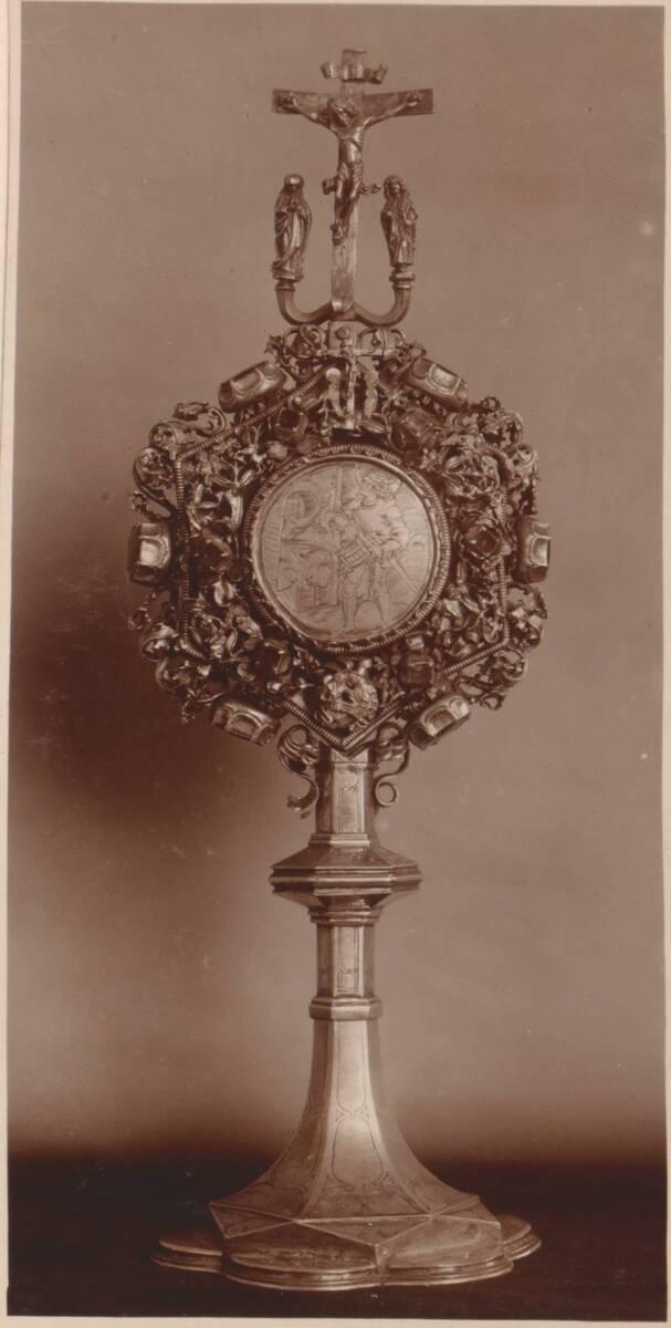 Fotografie der Vorderseite eines Reliquiars von 1486 aus Salzburg (vom Bearbeiter vergebener Titel) von Anonym