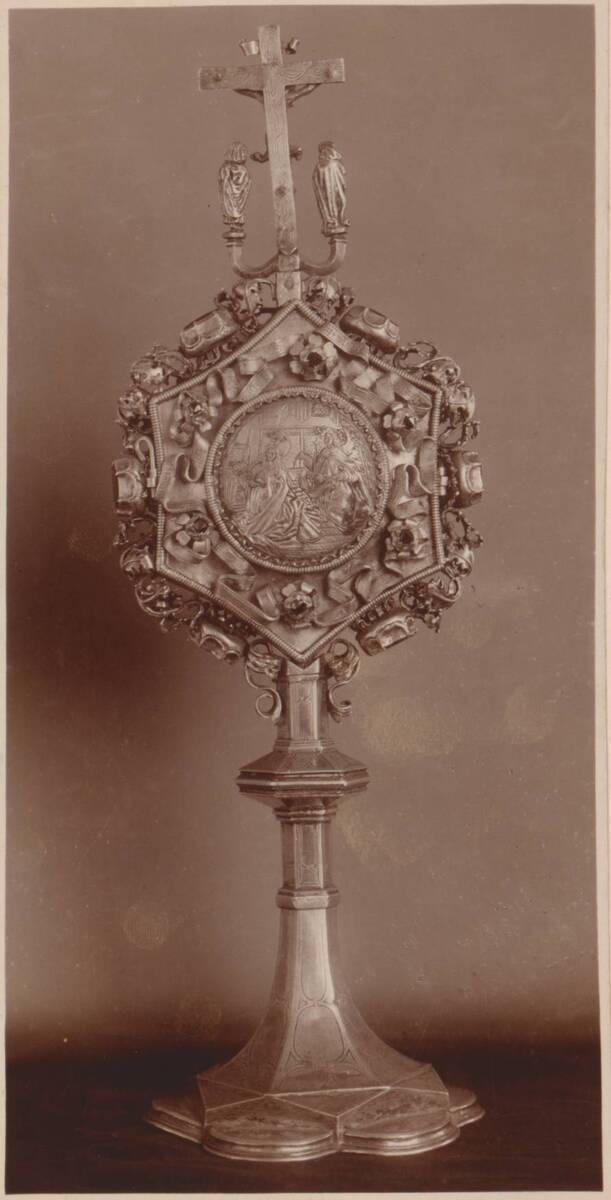 Fotografie der Rückseite eines Reliquiars von 1486 aus Salzburg (vom Bearbeiter vergebener Titel) von Anonym