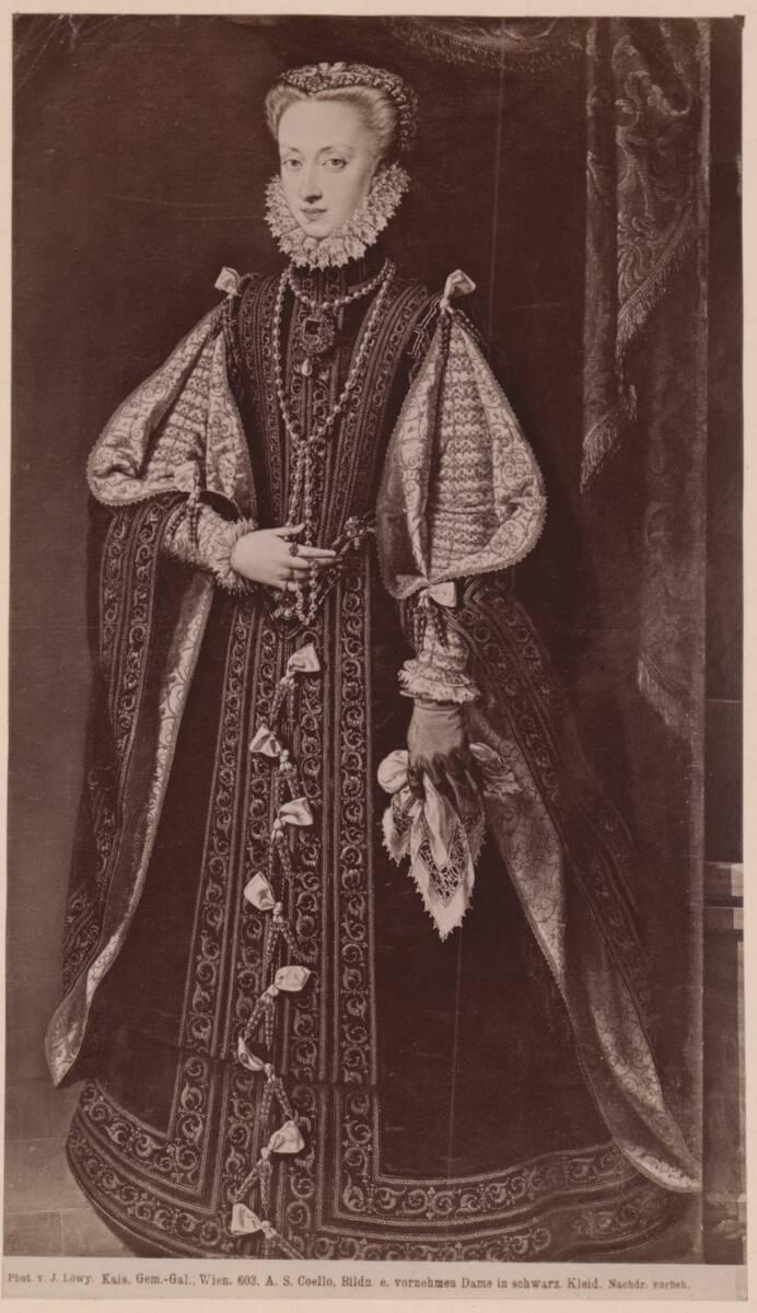 """Fotografie des Porträts der """"Anna von Österreich"""" von Alonso Sanchez Coello im Kunsthistorischen Museum in Wien (vom Bearbeiter vergebener Titel) von Löwy, Josef"""