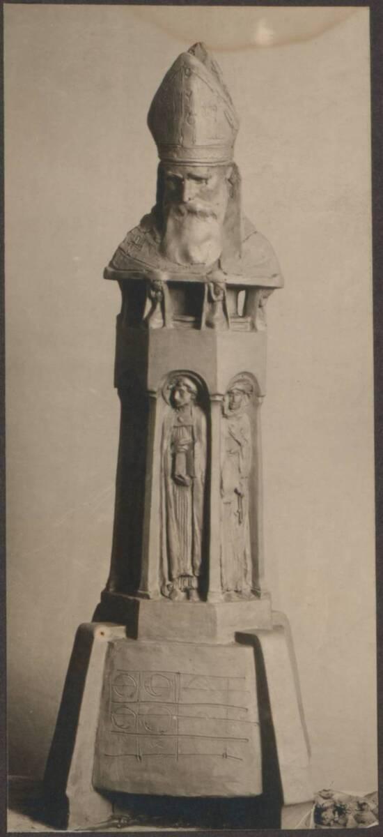 Fotografie eines Reliquiars von Wenzel Maran (vom Bearbeiter vergebener Titel) von Anonym