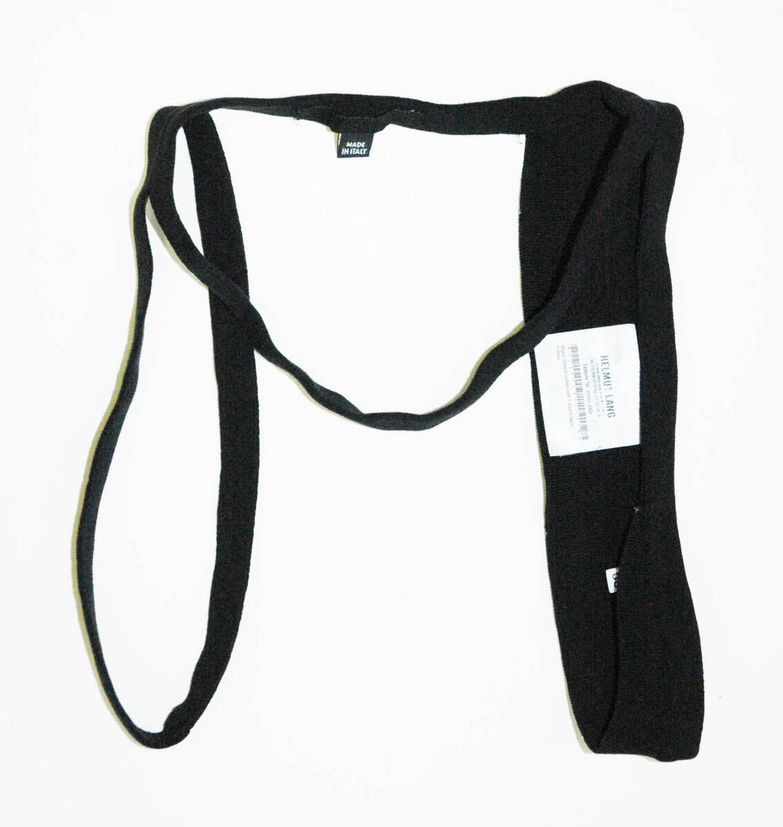 Accessoire - Vetement - schwarz (deskriptiver Titel) von Helmut Lang <Firma>