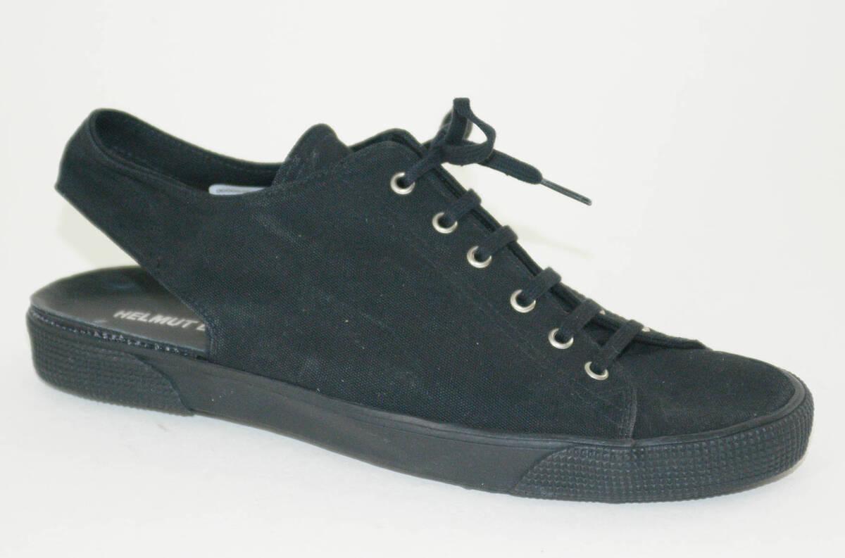 Sandale - schwarz (deskriptiver Titel) von Lang, Helmut
