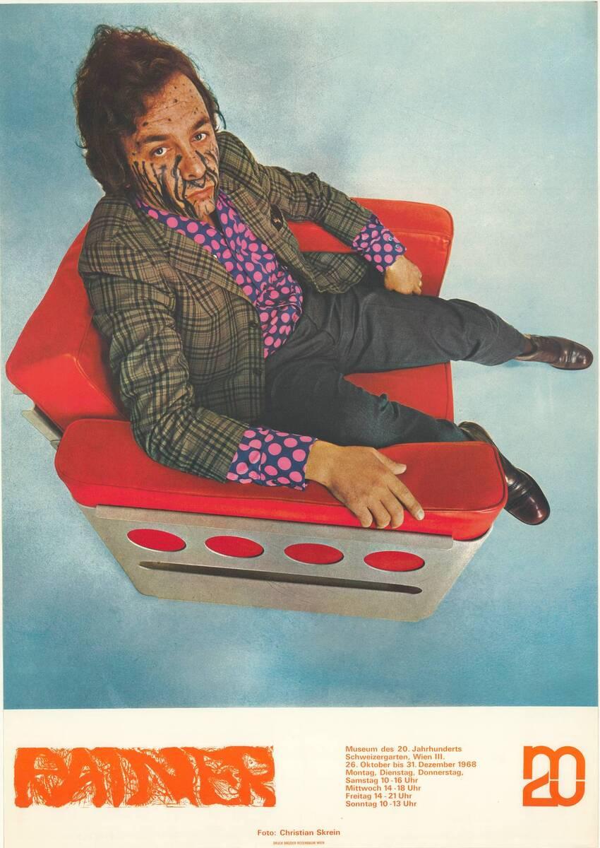 Arnulf Rainer im Galaxy-Chair von Walter Pichler (Kurztitel) von Skrein, Christian