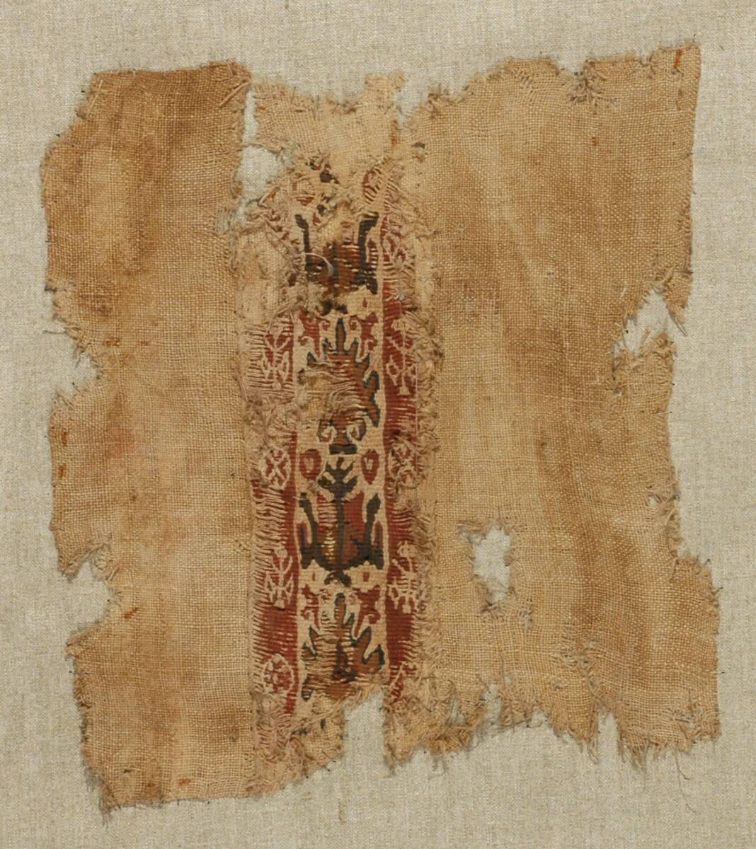 Gewebe mit Zierstreifen; Dekor aus stilisierten Pflanzenmotiven und Herzformen (deskriptiver Titel) von Anonym