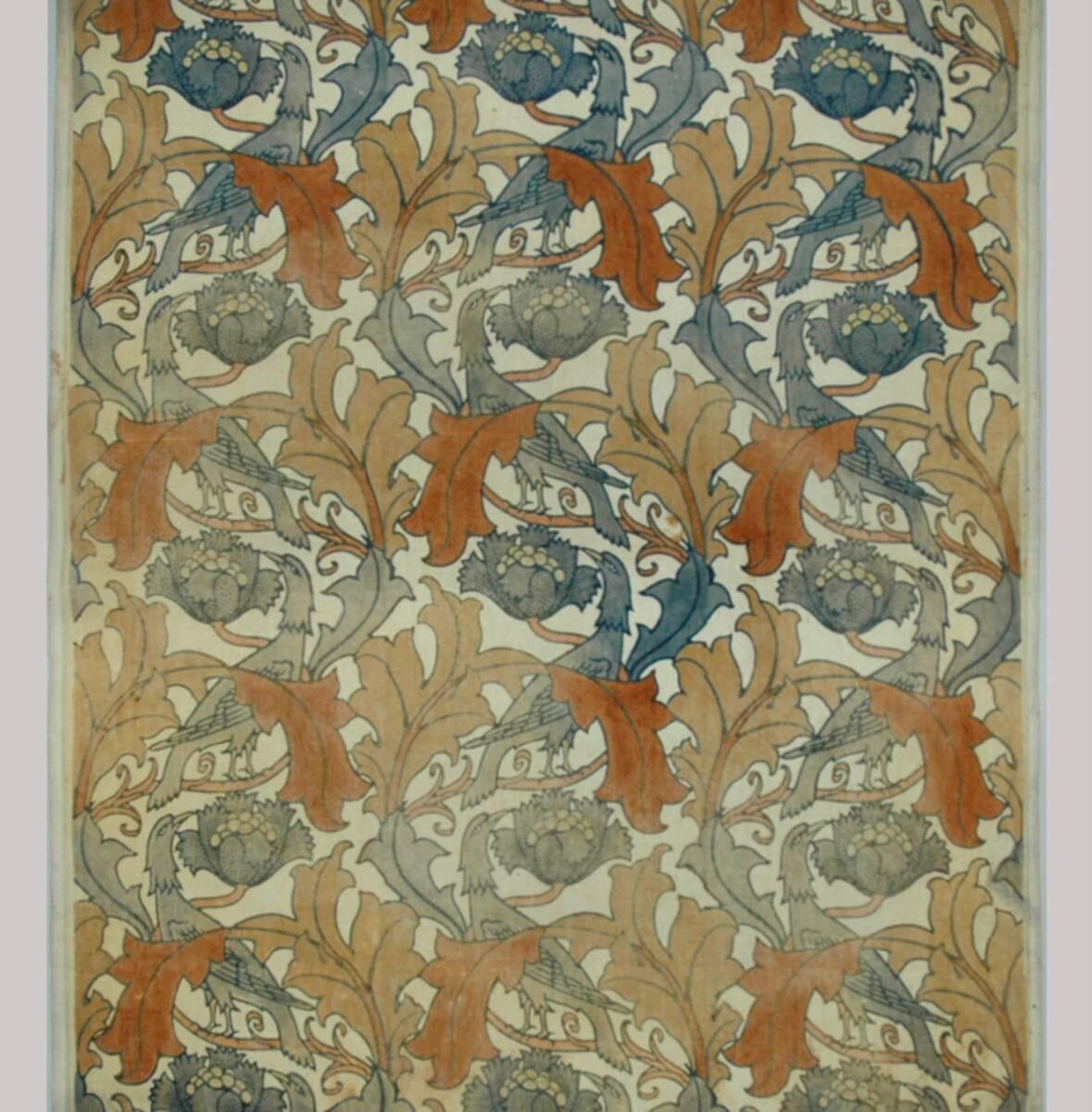 Blattranken, gewundene blaue Vögel und Blüten, auf hellem Grund von GP & J Baker