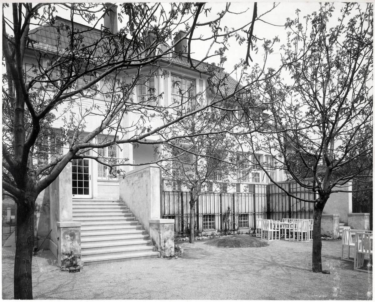 Gartenansicht, Wohnhaus Dr. Richard Beer-Hofmann, Wien XVIII, Hasenauerstraße 59 von Anonym