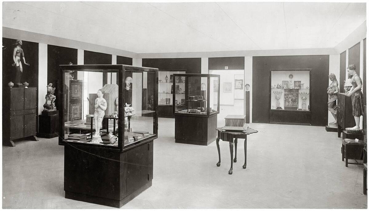 Ausstellungsraum IV der Wiener Werkstätte auf der Kunstschau 1920 im Österreichischen Museum für Kunst und Industrie, Wien I, Wollzeile 45 (heute Weiskirchnerstraße 3) von Anonym