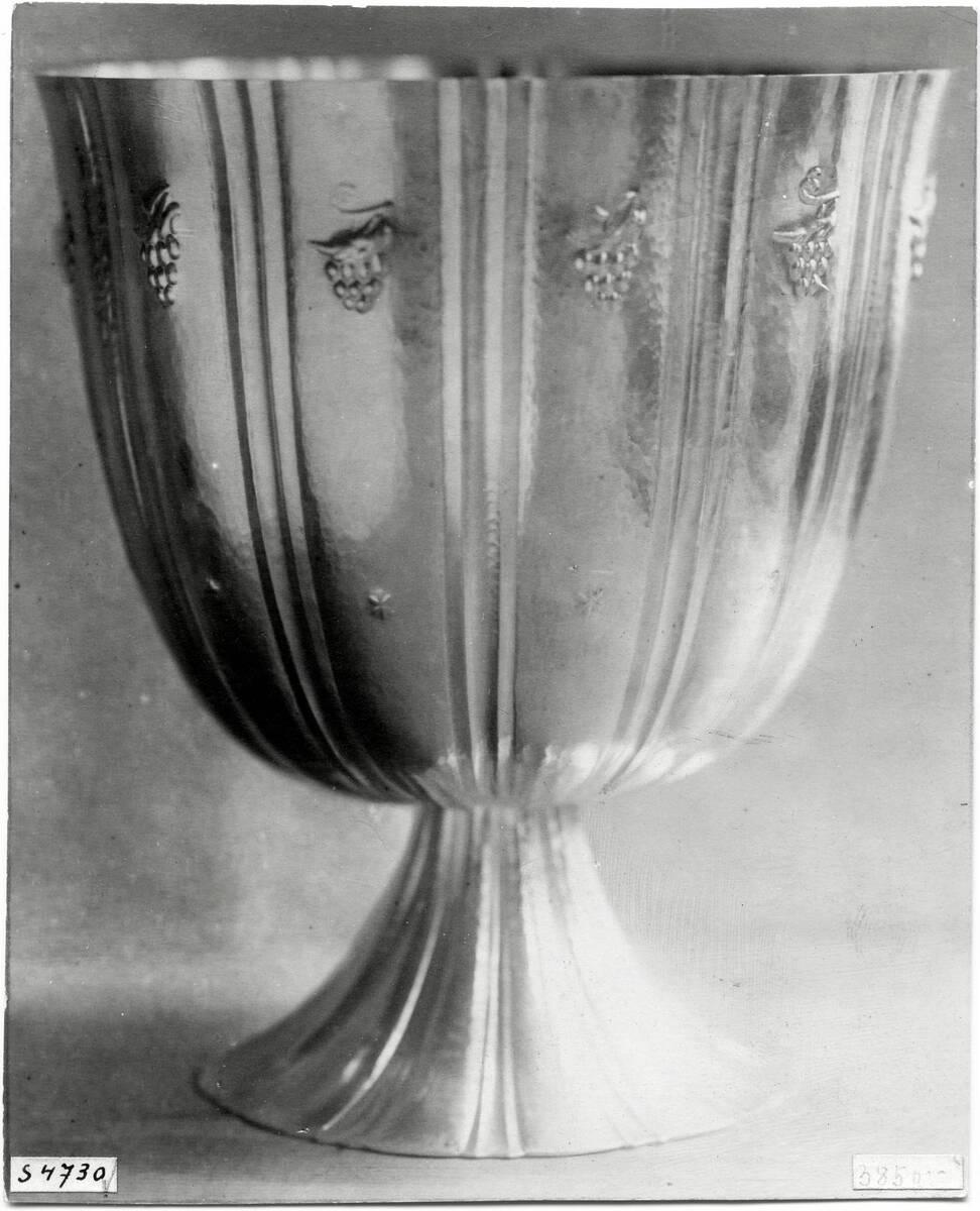 """""""Vase"""" Aufsatz von Hoffmann, Josef"""