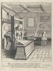 Das Innere einer Buchdruckerei (Laurenz Costers Buchdruckerei zu Haarlem), mit lateinischer und holländischer Über- und Unterschrift betreffend die Erfindung der Buchdruckerei in Haarlem um 1440 (vom Bearbeiter vergebener Titel)