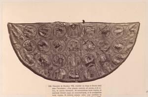 Fotografie der gesamten Kasel Bonifaz VIII. mit Szenen aus dem Leben Christi und Marias (13. Jahrhundert, Domschatz in Anagni) (vom Bearbeiter vergebener Titel) von Anonym
