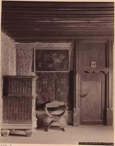 Fotografie eines Interieurs aus Schloss Enn, Südtirol (vom Bearbeiter vergebener Titel) von Anonym