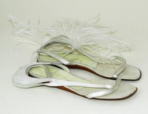 Sandale (Paar) mit Straußenfedern - weiß von Helmut Lang <Firma>